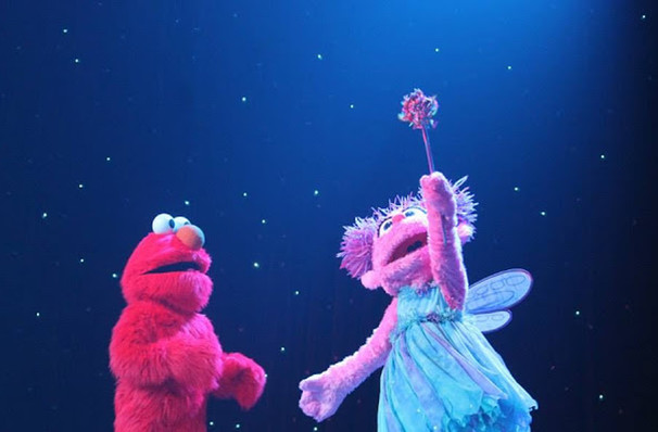sesame street live make a new friend pnc arena raleigh nc tickets information reviews. Black Bedroom Furniture Sets. Home Design Ideas